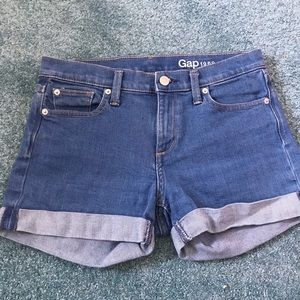 2/22  SALE!!  🎉 GAP | denim short